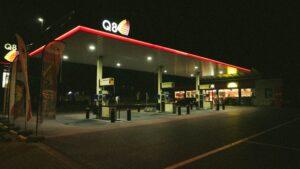 Q8 Petrol Station